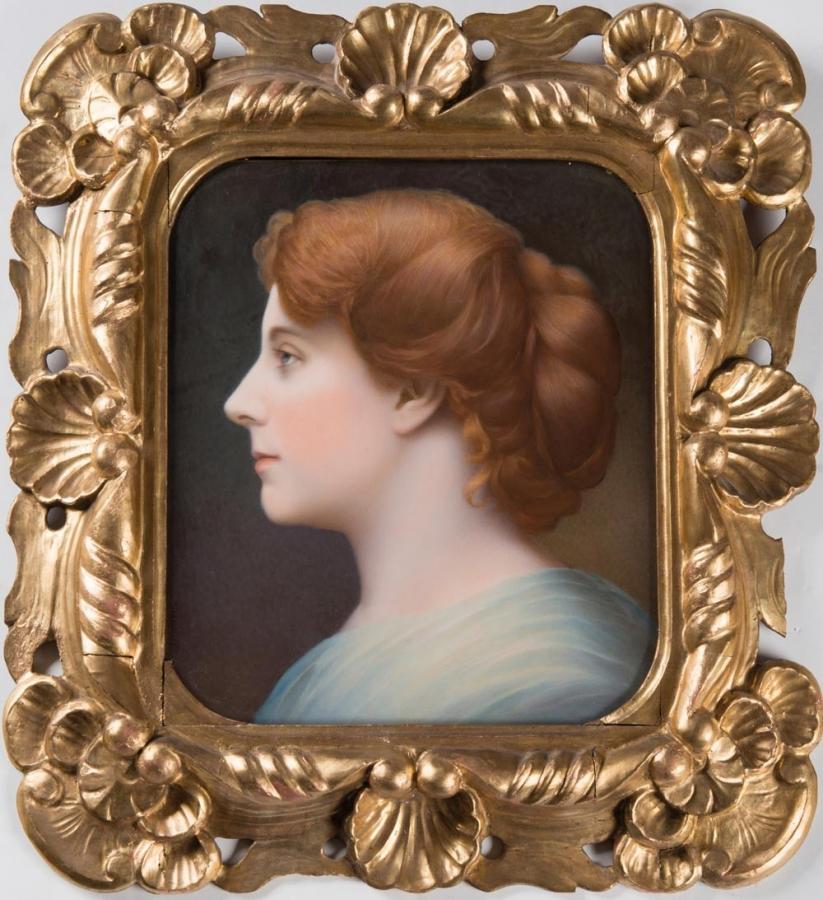Portrét dívky z profilu